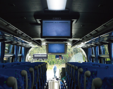大型バスFUSO54人乗りTV