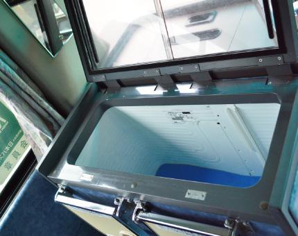 大型バスFUSO54人乗り冷蔵庫